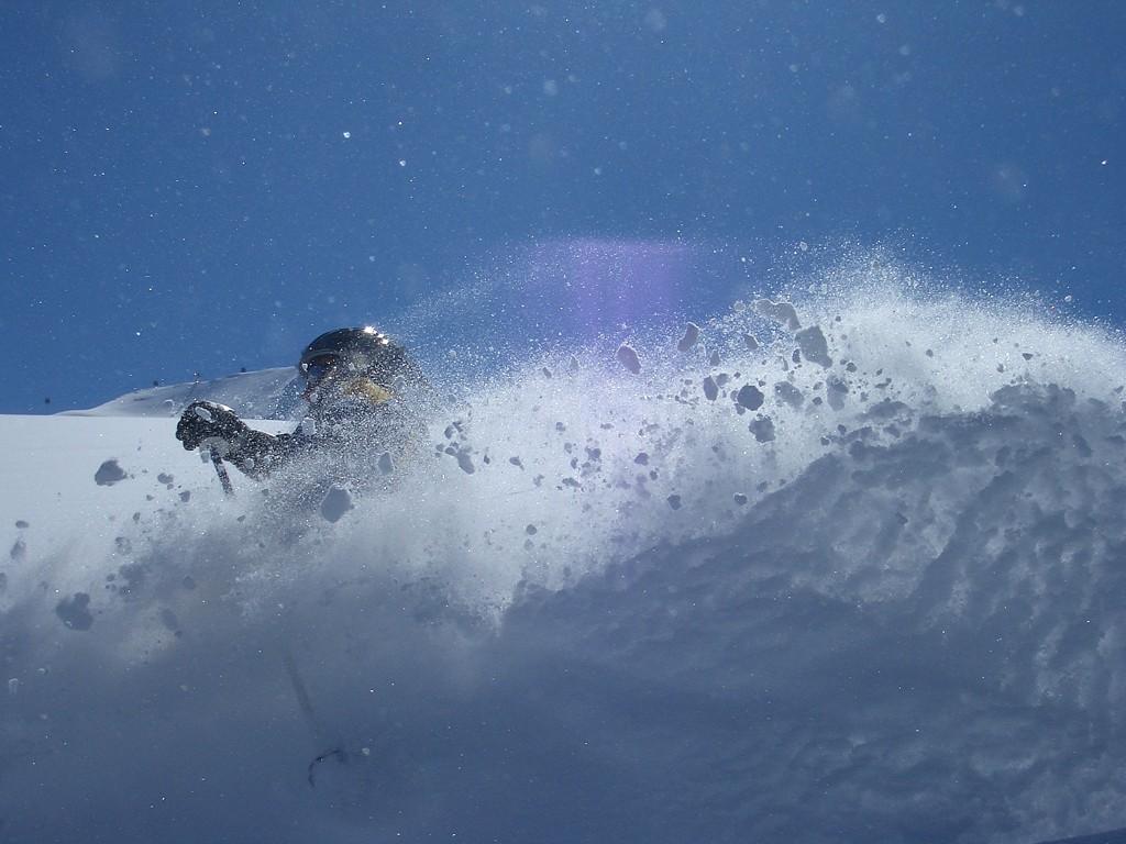 Ski-Tiefschnee