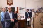 Schirmherr und Stadtbürgermeister Dieter Kuhl freut sich über die Ausstellung des TV.